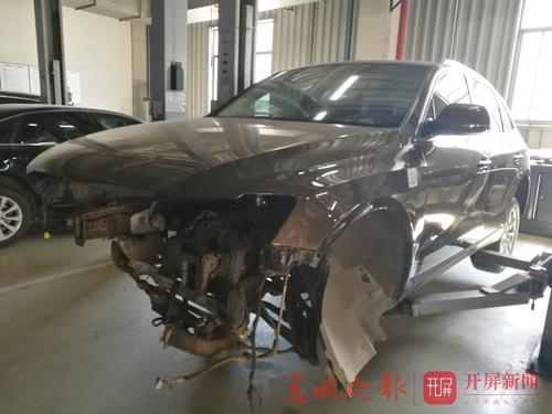 奥迪q5行驶在昆明市区发动机突然炸了!原因是